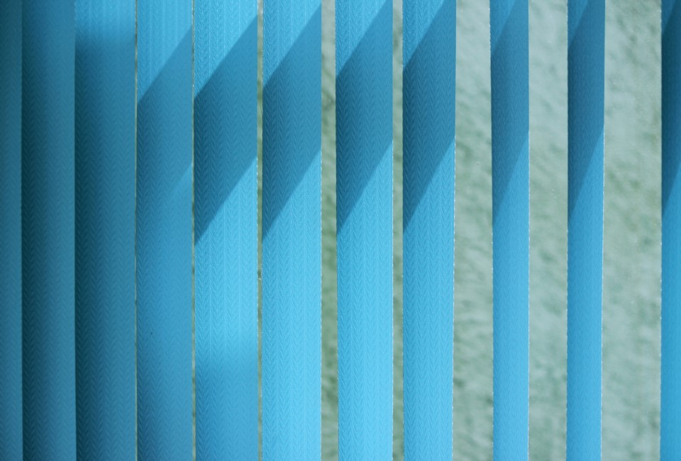 Venetian blinds Blue toned